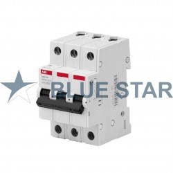 Three-pole circuit breakers